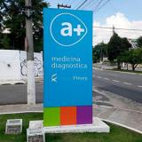 totem publicitário externo personalizado preços Eixo Rodoviário Norte